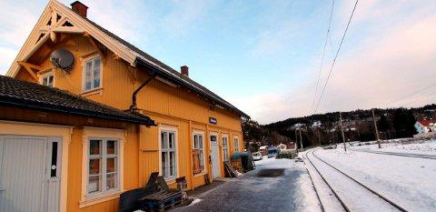 UENIGE: Bane NOR og Porsgrunn kommune er ikke enige om hvor mye av Eidanger stasjon som bør med på vernelistene.