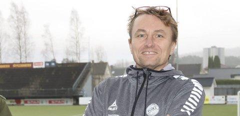 STARTER OPP IGJEN: Leder Gert Willumsen og Pors har fått dispensasjon fra de lokale bestemmelsene og starter å trene igjen.