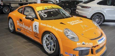 LÆREBEDRIFT: Porsche Center Porsgrunn er blitt godkjent lærebedrift i reservedelsfaget.