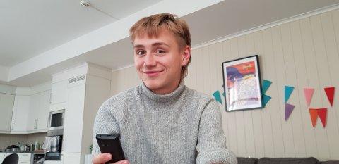 ØKT LIVSKVALITET: Toivo Terjesen (19) forteller at livet hans har blitt mye bedre, etter at han for to år siden la smarttelefonen på hylla.
