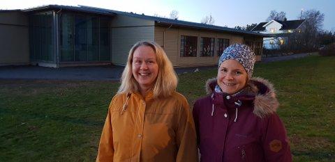 ØNSKER SIKRERE SKOLEVEIER: FAU-lederne Birthe Kvamme og Jeanette Beatrice Bekkelund savner gang- og sykkelvei i hele Veløyveien, samt fra skolen og til Folehavne i Vesterøyveien.