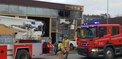 SLUKKET: Hos Firmabil, som leier lokaler av Mesa i Bekkeveien, brant det i fjør høst.