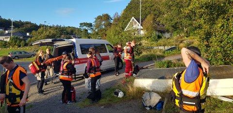AKSJON: Store styrker fra Røde Kors ankom Langeby og gjordet seg raskt klar til aksjon