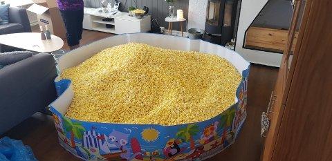 GIS BORT: Det er ikke spiselig, men om du har andre ideer for over 1000 liter popcorn er altså muligheten der. Gratis.