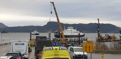 Svanøy la fra kai på Kanestraum i 10-tida uten å ta om bord verken kjøretøy eller passasjerer. Den var da nylig satt inn i ruta igjen etter et lengre fravær, men rakk bare å ta noen få turer over fjorden før det gikk skeis...
