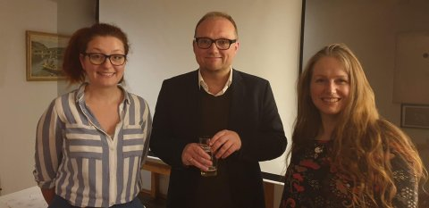 De tre første foredragsholderne, Unn Fyllingsnes (fra venstre), Åsmund Ormset og Vanessa H. Williamsen.