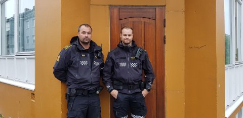 På et hjørne ved trafikklysene i krysset Langveien-Politimester Bendixens gate sto betjentene Morten Hammerås og Ole Johan Skjong og fulgte med trafikken på den tiden folk flest var på vei hjem fra jobb.