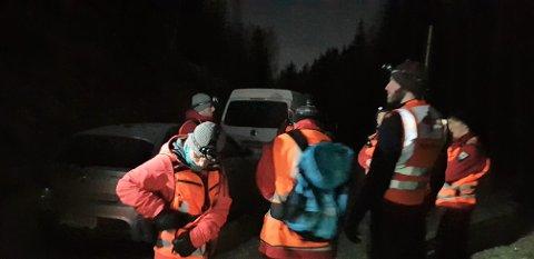 LETER: Store letemannskaper har sett etter en mann i 20-årene natt til mandag.