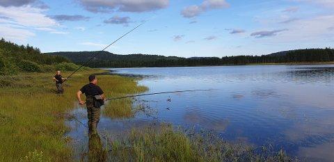 Her, i Vallekilen ved Pan Garden hotell i Åmli, arrangeres NM i meitefiske lørdag.