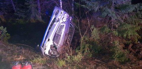 Fire ungdommer ble fraktet til sykehuset i Arendal i ambulanse etter ulykken.