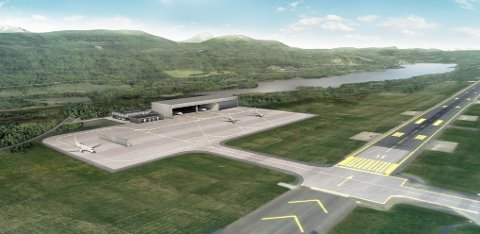 FLYTTES: Avinor krevde at den nye hangaren på Evenes måtte flyttes for å hindre økt turbulens på rullebanen. Flyttingen medfører en forsinkelse for ferdigstillelsen på inntil ett år fra planlagt ferdigstillelse i august 2022.