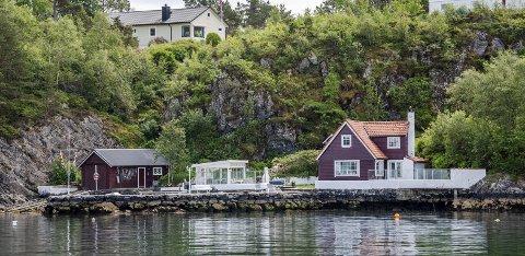 14 kvadratmeter hagestue: Denne hagestuen, mellom naustet og huset, er ett av kun fem nybygg i                                                  strandsonen som ble godkjent i Bergen i fjor.