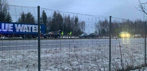 Lange køer dannet seg straks etter at to biler var innblandet i en trafikkulykke på E6 onsdag morgen.