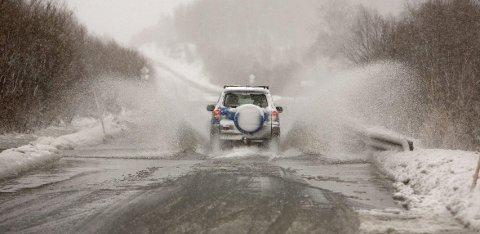 Fredag kan godt dette bli situasjonen langs veiene. Da er det nemlig meldt opp mot åtte plussgrader, og regn.