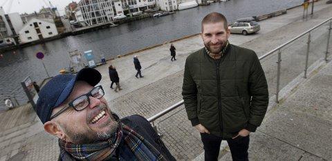 Stuping i SMEDASUNDET: Helge Handeland (foran) og Helge Bro Matland arrangerer i dødsing lørdag 18. juni under Byfest 1. FOTO: HARALD NORDBAKKEN