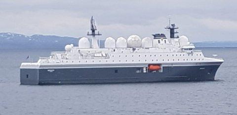 """MARJATA: Torsdag formiddag lå """"verdens mest avanserte"""" spionskip utenfor Vadsø."""