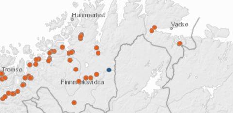 ASFALTKART: Det er på de oransjepunktene at det skal legges ny asfalt i Finnmark i sommer. Det blå punktet betyr stedvis oppretting/lapping av veien.
