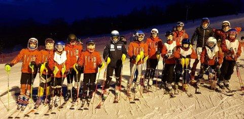 Svolvær alpinklubb hadde med seg mange løpere i klassen U12 og eldre.