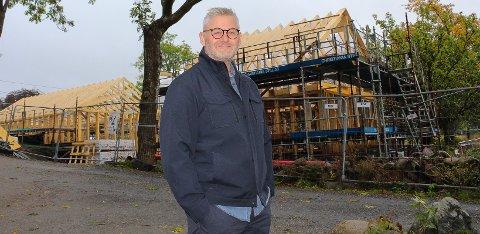 Badehus og basseng: - Dette huset blir ikke dominerende i landskapet, sier Per-Gunnar Brandstorp.
