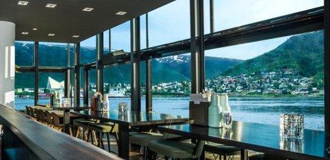 ÅPNER SNART: Restauranten «Du verden» har utsikt rett ut i sundet fra terminaltaket. Spisestedet skal etter planen åpne 22. september.