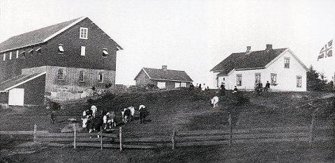 MÅNEJORDET gård omkring 1910.
