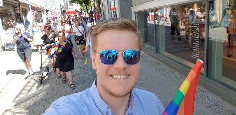 KAN RYKKE FRAM: Lars Tynning (23) og andre unge kan rykke fram i køen ved ny vaksinestrategi.