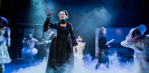 """Harriet Müller-Tyl har skrevet musikken i """"Haunted"""", og spiller samtidig rollen som Lady Anne."""