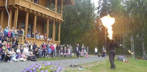 Flammeshow: 10. august er det eventyrfest, med blant annet flammeshow, på Villa Fridheim.pressefoto