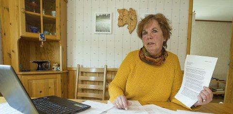FØLGER: Randi Østbøll Pedersen er kritisk til at ingen kunne fortelle henne hvordan uførereformen ville slå ut for henne før den trådte i kraft. Tirsdag fulgte hun nøye med på debatten i Stortinget.FOTO: OLE-JOHNNY MYHRVOLD
