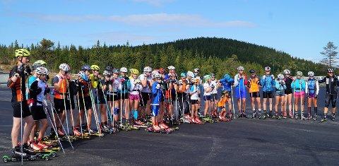 Mange aktive: 70 løpere testet den nye rulleskibanen på Lygna under åpningen lørdag.