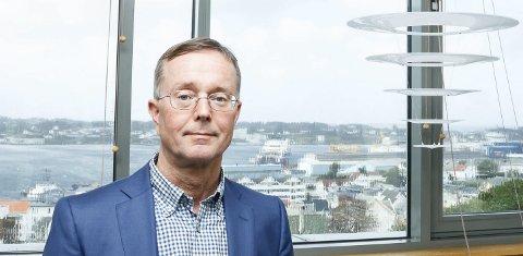 MASSETESTING: Administrerende direktør Olav Klausen må teste alt av helsepersonell som har vært utenfor landets grenser.