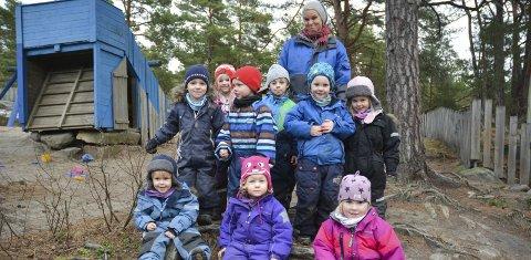 BLIR FÆRRE: I dag er det ti barn i barnehagen på Skåtøy, men fra høsten er det ventet at antaller reduseres til sju.