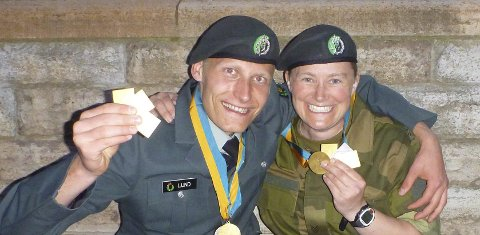 STIPEND: Kim-André Aannestad Lund og Gunn Heidi Sønsterud Haugen fikk 25.000 kroner hver i stipend fra Buskerud skytterkrets.foto: privat