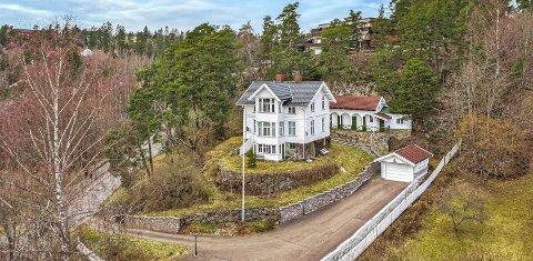 Det er ikke ofte man har muligheten til å sikre seg sin egen sveitservilla med 2,5 mål tomt.