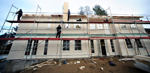 SKATTET: Huset i Sandboveien ble ført opp i fjor. Fra og med 2018 kan eiendommen bli skattlagt, om partiene i Ski blir enige. FOTO: OLE KR. TRANA