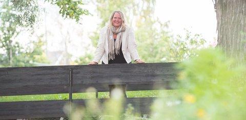 Grete Sjøli er ny ordfører for Arbeiderpartiet i Nes. Hun bryter den lange rekka med menn som har styrt bygda der elvene møtes. Foto: Vidar Sandnes