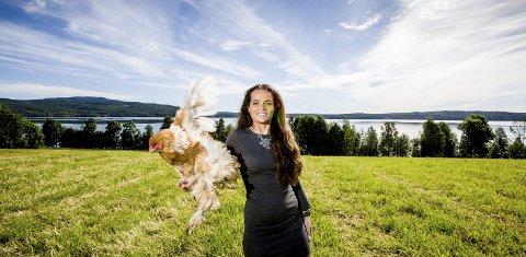 Martha Tærud har vokst opp på gård, men overlater til lillebroren å drive gården videre. Foto: Tom Gustavsen