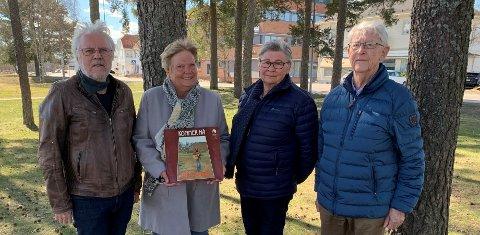 STOLTE SAMBYGDINGER: Denne kvartetten gleder seg til minnesmerket for Stein Ove Berg kommer på plass. Fra venstre Sigmund Gundersen, Gro Irene Holt, Gudrun Hauknes og Jan Erik Holter.