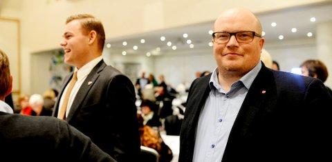 Etter en runde med harde partipolitiske utfall mellom Sve og Carl Johansen (MDG), tok Per Vidar Kjølmoen (Ap) ordet.