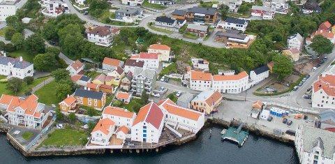 Innlandet i Kristiansund, deriblant Skippergata som går midt i bildet, har mye bevaringsverdig bebyggelse. Bildet er tatt i 2019.