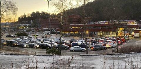 Bergenserne strømmet til blant annet Spelhaugen i Fyllingsdalen for å teste seg for covid-19 etter juleferien.