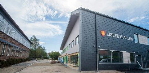 KREVENDE: Færre frivillige, manglende forståelse for dugnadsarbeid, tøft språkbruk, slåsskamper og hærverk preger Lisleby Fotballklubb, ifølge Johnny Kristiansen.