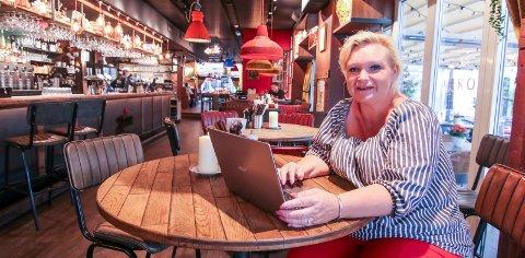Ny quiz: Daglig leder Linda Karlsen på Heim byr på en ny type quiz mandag 20. august. Nå blir det bykamp!