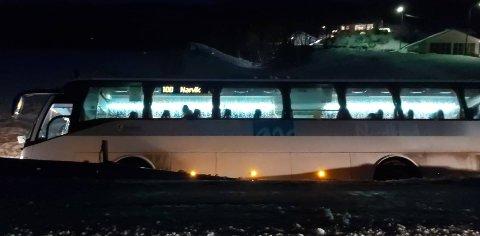 VELTET: Tirsdag ettermiddag kjørte en buss av veien på Vidrek i retning Narvik.