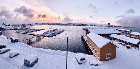 FINT VÆR: Meteorologen melder om stort sett fint vær i helgen. Det vil være muligheter for å se solen. Bildet er fra Vadsø.