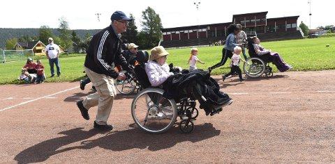 UPÅKLAGELIG INNSATS: Det gikk unna på 60 meteren både for de i rullestol og de yngste i Idrettsparken.ALLE FOTO: OLE JOH N HOSTVEDT