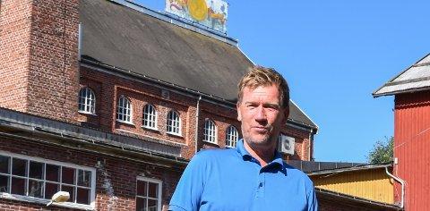 TAR INGEN SJANSER: Torgeir Lie er daglig leder på Løiten Lys. Bedriften var stengt torsdag og fredag av smittevernhensyn.