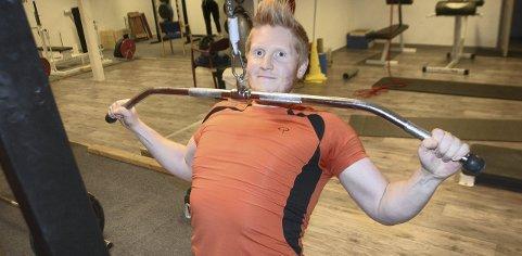 TRIVES MED TRENING: Etter å ha sett på trening som en plikt lenge er nå Hans Martin frelst på styrketrening og trener i atletklubben 4-5 ganger i uka. - Det er viktig å finne en treningsform man trives med, sier han.