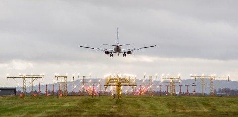 Flere flyselskaper har kampanjer hvor du kan få kjøpt billetter for under en hundrelapp.
