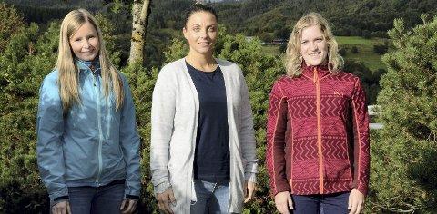 ANBEFALER: Nina Lovise Tonning, Oddrun Husby og Marit Mo er ikke i tvil om at de anbefaler småbarnsforeldre å melde seg på gruppene i God oppvekst i Surnadal.